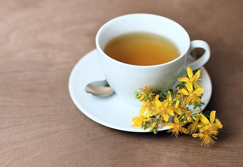 чай из зверобоя снимает воспаление желудка